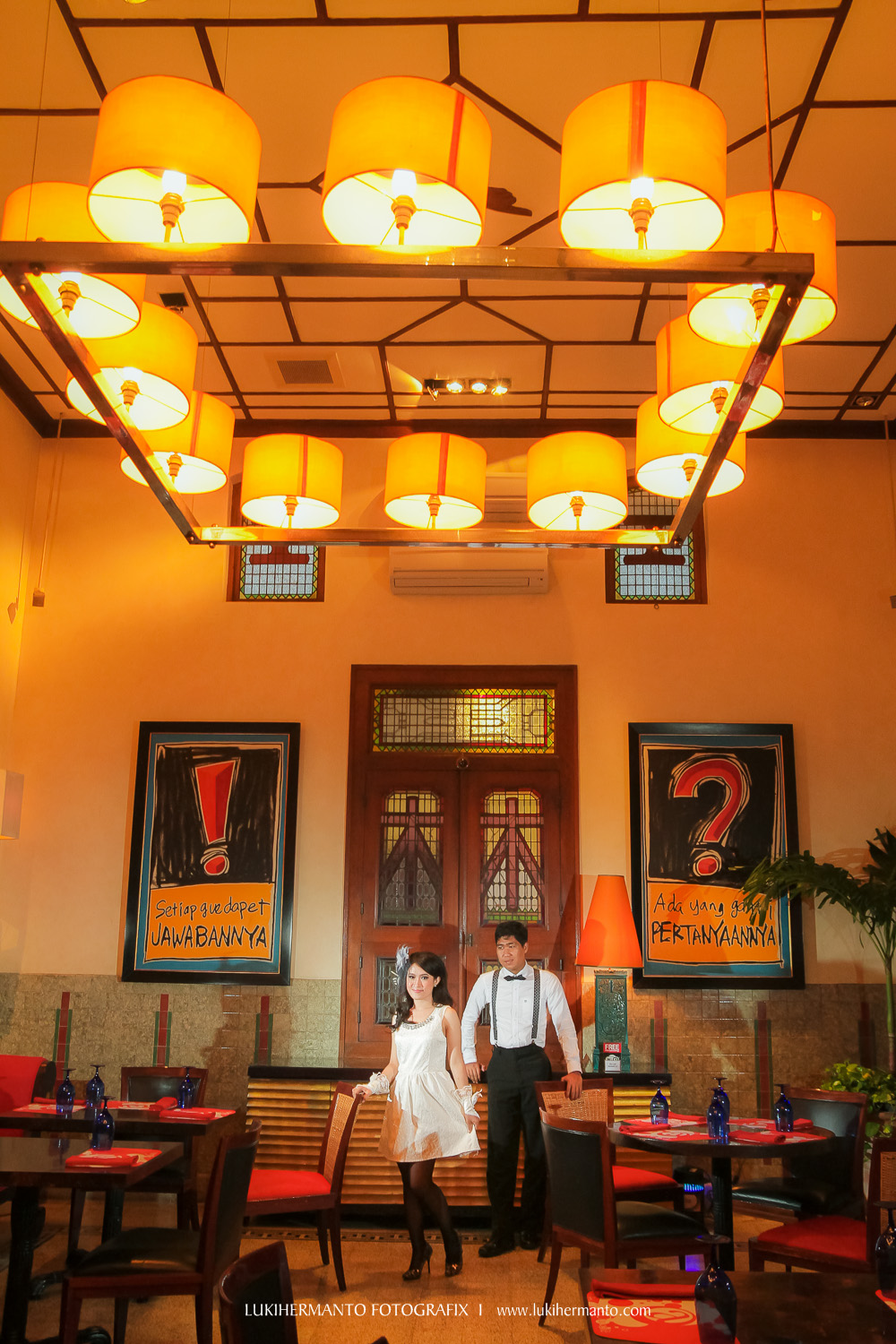 foto prewedding cafe House of sampoerna