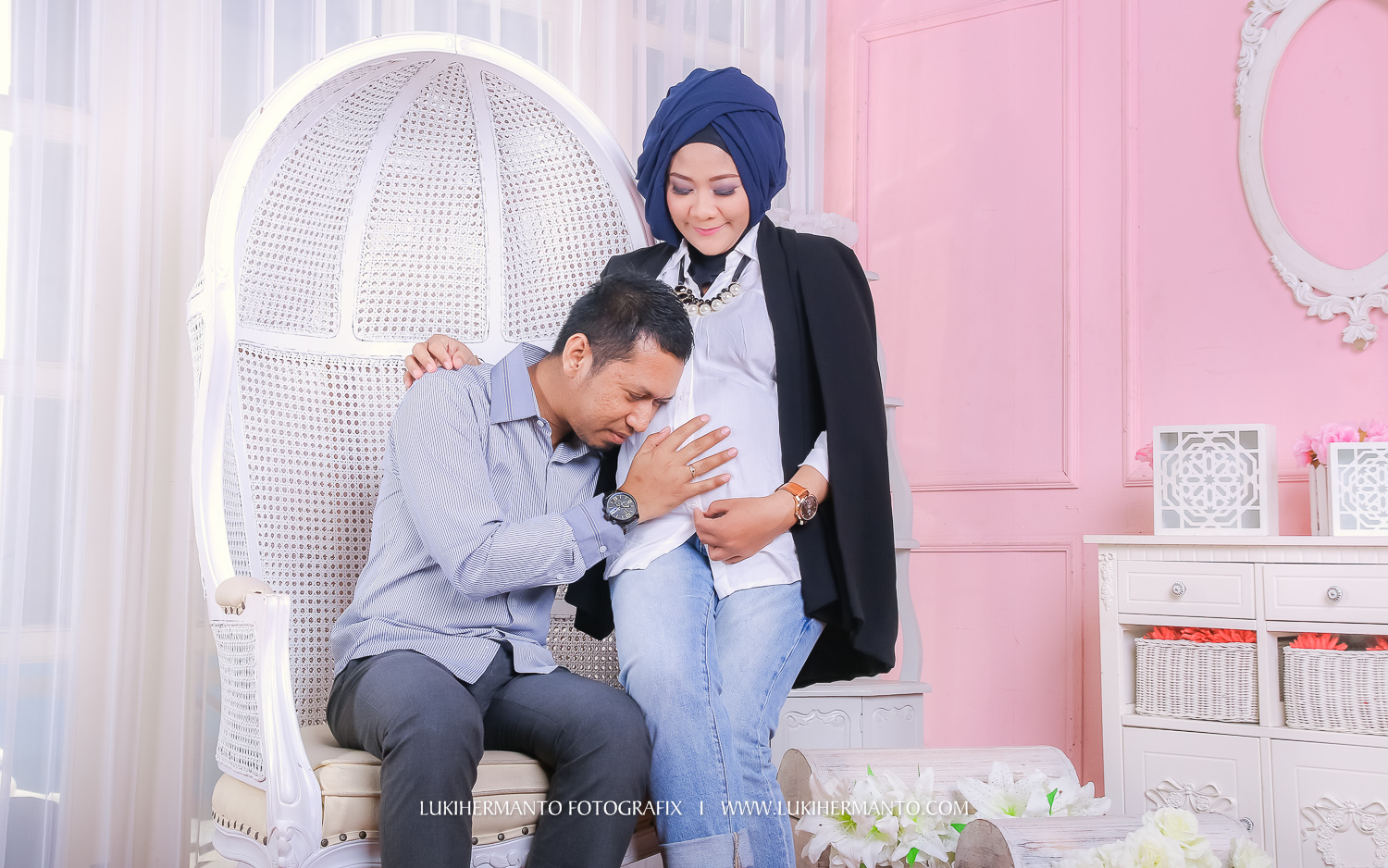 foto maternity di studio adventure